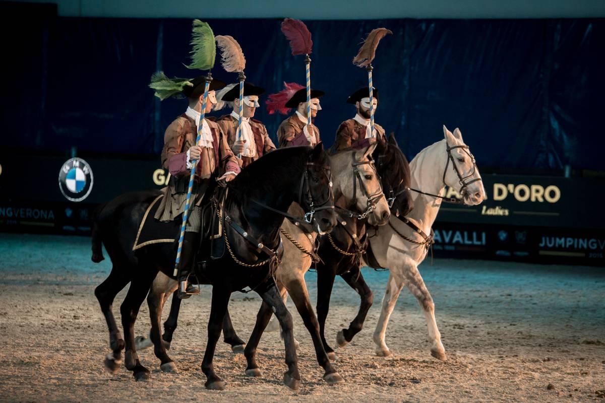 Casanova e i Cavalieri della luna: Cavalieri